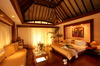 Thumb_overwater_bungalow_interior