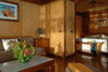 Thumb_bungalow_interior