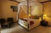 Thumb_beach_bungalow_1