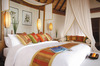 Thumb_deluxe_over-water_suite_bedroom