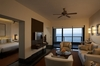 Thumb_the_club_suite_sitiing_room