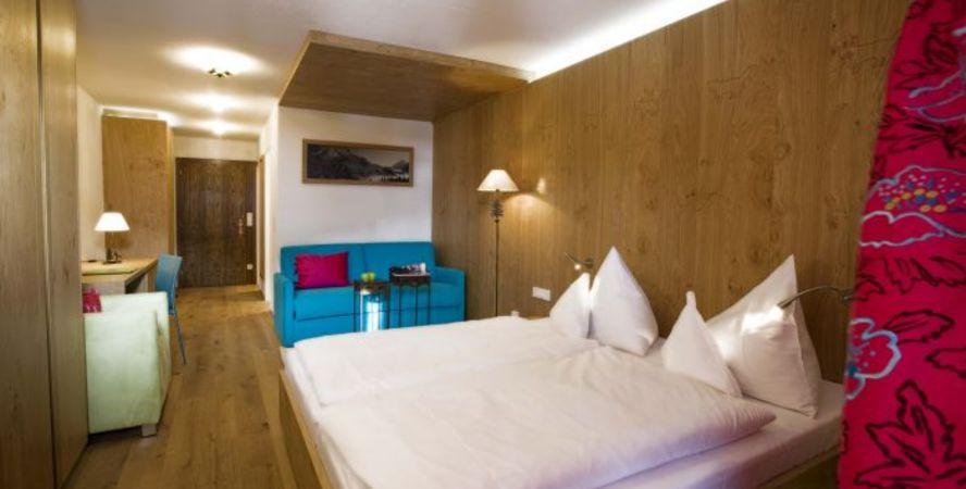 goldener berg hotel lech