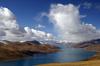 Thumb_yamdrok_lake_-_gyantse