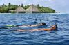 Thumb_snorkeling_maldives_s4a8352