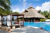 Thumb_4_edr_couple_laisla_pool_h_2