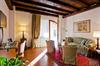 Thumb_villa_condulmer_red-suite-villa-condulmer-garden-near-venice